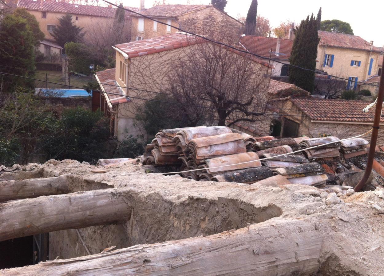 Travaux faut il les r aliser soi m me blog ns immobilier for Aide renovation toiture